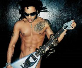 Rockstar Lenny Kravitz  Totally Nude